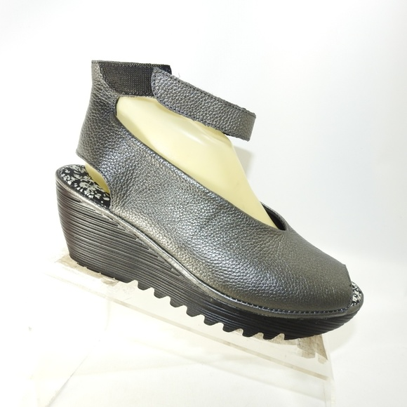eba96c62e1b6 Bernie Mev Shoes - Bernie Mev Mely Sz 8.5 Gray Sandal Shoes For Women